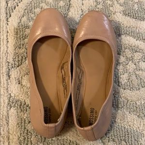 Perfectly color nude flats size 6